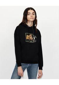Armani Exchange - ARMANI EXCHANGE - Czarna bluza z nadrukiem. Okazja: na co dzień. Kolor: czarny. Materiał: bawełna. Wzór: nadruk. Styl: klasyczny, casual