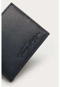 Niebieski portfel TOMMY HILFIGER gładki