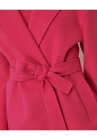 Marella - MARELLA - Różowy płaszcz z wełny. Kolor: różowy, wielokolorowy, fioletowy. Materiał: wełna. Styl: klasyczny