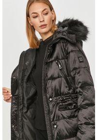 Czarna kurtka na co dzień, z kapturem, casualowa