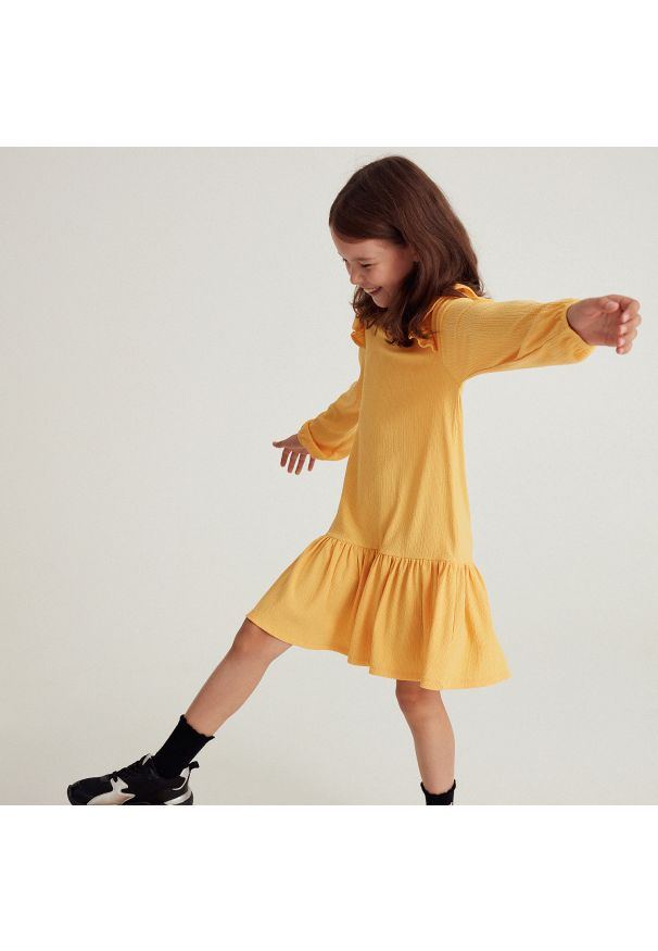 Reserved - Sukienka z falbaną - Żółty. Kolor: żółty