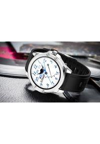 Srebrny zegarek cyfrowy, sportowy