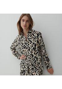 Reserved - Koszula ze zwierzęcym motywem - Beżowy. Kolor: beżowy. Wzór: motyw zwierzęcy