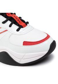 Białe buty sportowe Armani Exchange