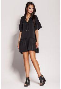 Czarna sukienka z falbanami Dursi z falbankami, na lato