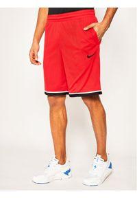 Czerwone spodenki sportowe Nike Dri-Fit (Nike)