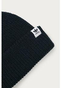 Niebieska czapka adidas Originals
