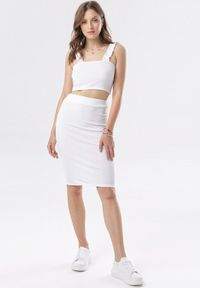 Born2be - Biały Komplet Aririssa. Kolor: biały. Materiał: dzianina, materiał, prążkowany. Wzór: gładki