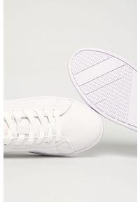 Białe sneakersy Big-Star na sznurówki, z okrągłym noskiem