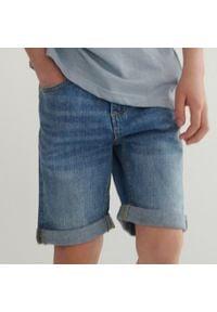 Reserved - Jeansowe szorty - Niebieski. Kolor: niebieski. Materiał: jeans