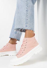 Born2be - Różowe Trampki Xusculea. Wysokość cholewki: za kostkę. Nosek buta: okrągły. Zapięcie: sznurówki. Kolor: różowy. Materiał: materiał, guma. Szerokość cholewki: normalna. Obcas: na obcasie. Wysokość obcasa: niski