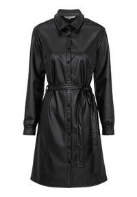 Cellbes Sukienka koszulowa z PU z wiązanym paskiem Czarny female czarny 34/36. Okazja: na co dzień. Kolor: czarny. Wzór: gładki. Typ sukienki: koszulowe. Styl: casual