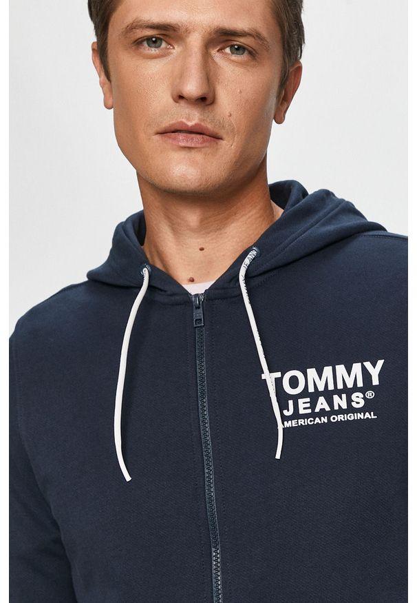 Niebieska bluza rozpinana Tommy Jeans z nadrukiem, z kapturem, na co dzień