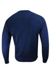 Niebieski sweter MM Classic z dekoltem w serek, na spotkanie biznesowe