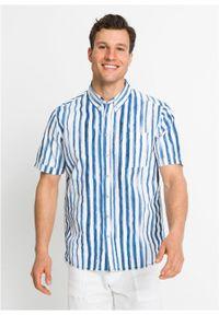 Koszula z krótkim rękawem w paski bonprix biało-niebieski w paski. Kolor: biały. Materiał: materiał. Długość rękawa: krótki rękaw. Długość: krótkie. Wzór: paski