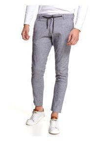 TOP SECRET - Spodnie z tkaniny strukturalnej z wiązaniem. Kolor: szary. Materiał: tkanina. Długość: długie. Sezon: zima. Styl: sportowy