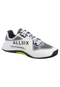 ALLSIX - Buty do siatkówki męskie Allsix VS900. Kolor: biały, żółty, wielokolorowy, czarny. Materiał: tworzywo sztuczne, kauczuk. Sport: siatkówka