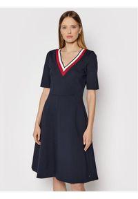 TOMMY HILFIGER - Tommy Hilfiger Sukienka codzienna Punto WW0WW29953 Granatowy Regular Fit. Okazja: na co dzień. Kolor: niebieski. Typ sukienki: proste. Styl: casual