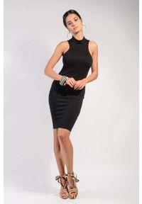 Czarna sukienka wizytowa Nommo z dekoltem halter
