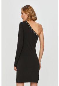 Czarna sukienka Calvin Klein Jeans mini, prosta, z aplikacjami