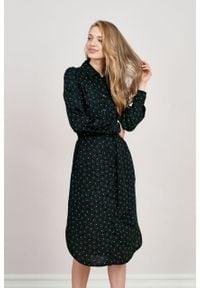 Marie Zélie - Sukienka Eliza Marguerite zielona. Kolor: zielony. Materiał: wiskoza. Długość rękawa: długi rękaw. Typ sukienki: szmizjerki. Styl: klasyczny