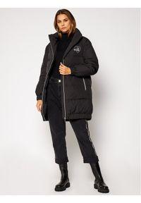Czerwony płaszcz zimowy Love Moschino