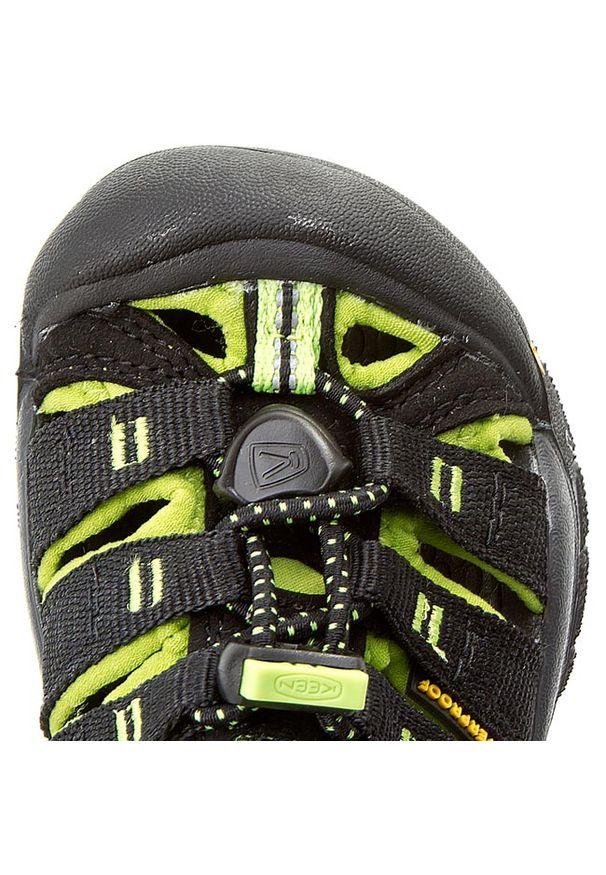 Czarne sandały keen