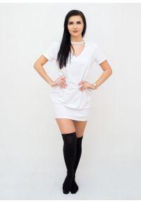 Biała sukienka Fanaberia.com prosta