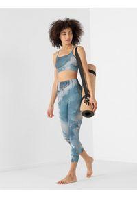 4f - Legginsy do jogi z materiałów z recyklingu damskie. Stan: podwyższony. Kolor: niebieski. Materiał: materiał. Wzór: nadruk. Sport: joga i pilates