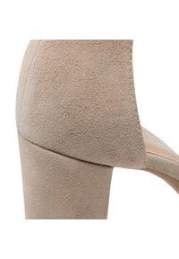 Beżowe sandały Eksbut