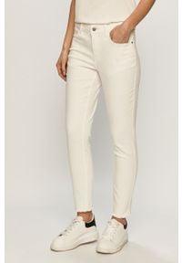 Białe jeansy Jacqueline de Yong gładkie