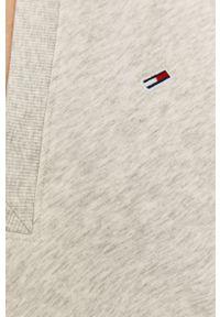 Tommy Jeans - Sukienka. Kolor: szary. Materiał: bawełna