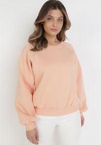 Born2be - Łososiowa Bluza Adrassa. Kolor: różowy. Materiał: tkanina, polar. Długość: długie. Wzór: gładki. Sezon: lato