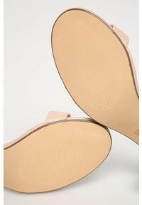 Sandały Truffle Collection na klamry, na obcasie, na średnim obcasie, z okrągłym noskiem