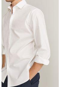 Biała koszula Mango Man długa, elegancka, z włoskim kołnierzykiem
