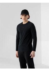 4f - Longsleeve męski RL9 x 4F. Kolor: czarny. Materiał: poliester, włókno, bawełna, materiał. Długość rękawa: długi rękaw. Wzór: nadruk, haft, aplikacja