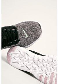 Czarne buty sportowe Nike z cholewką, na średnim obcasie, na obcasie