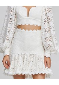 ACLER - Biała spódnica Broderie. Kolor: biały. Materiał: len, koronka, bawełna, tkanina, wiskoza