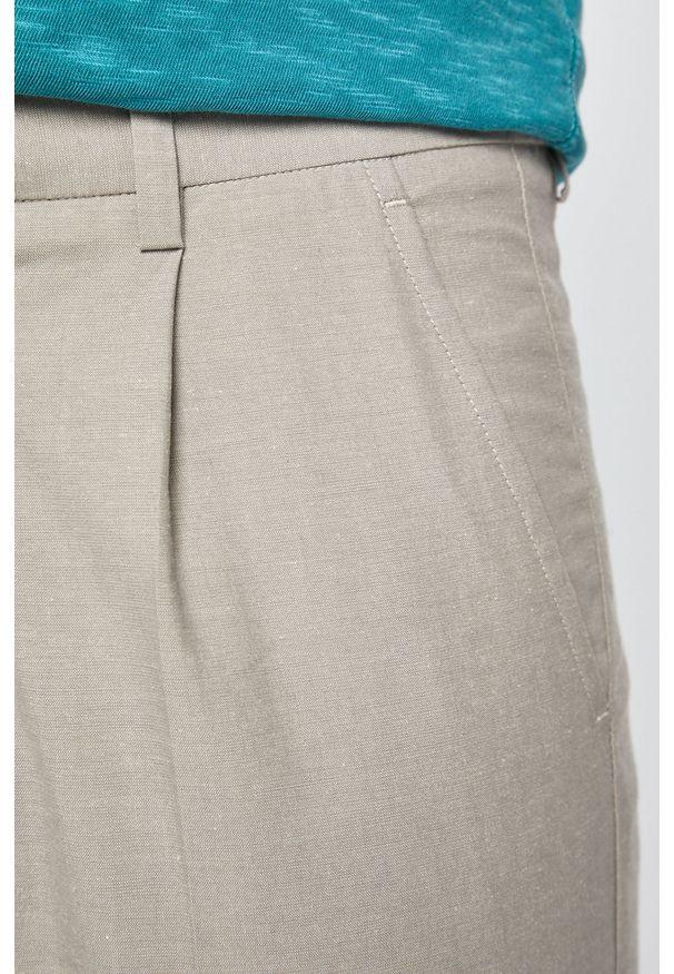 Szare spodnie medicine