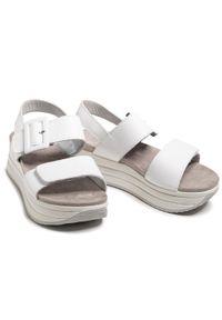 Białe sandały Igi & Co