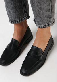 Born2be - Czarne Mokasyny Meteris. Zapięcie: pasek. Kolor: czarny. Szerokość cholewki: normalna. Wzór: aplikacja. Wysokość cholewki: przed kostkę. Materiał: jeans. Obcas: na obcasie. Styl: klasyczny. Wysokość obcasa: niski