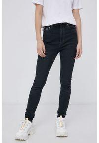 Tommy Jeans - Jeansy Melany. Stan: podwyższony. Kolor: czarny