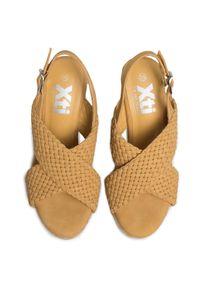 Żółte sandały Xti na co dzień, z aplikacjami