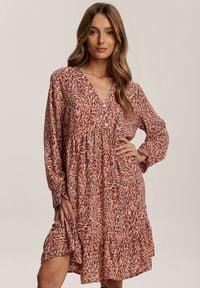 Renee - Łososiowa Sukienka Phislenne. Kolor: różowy