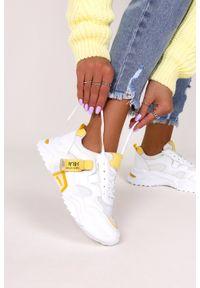 Casu - Białe buty sportowe sneakersy sznurowane casu 20f5/y. Kolor: biały, żółty, wielokolorowy. Materiał: skóra ekologiczna, materiał. Szerokość cholewki: normalna. Sezon: lato, wiosna