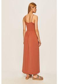 Różowa sukienka Vero Moda rozkloszowana, casualowa, na co dzień