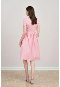 Marie Zélie - Sukienka Melania różowa oxford. Kolor: różowy. Materiał: skóra, materiał, bawełna. Długość rękawa: krótki rękaw. Sezon: lato