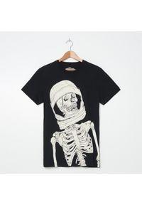Czarny t-shirt House z nadrukiem