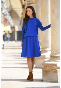 Lemoniade - Sukienka Dzianinowa o Luźnym Kroju z Guzikam - Chabrowa. Kolor: niebieski. Materiał: dzianina