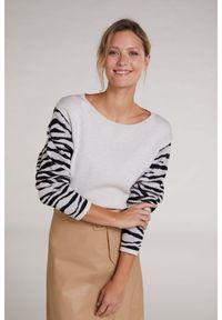 Sweter z rękawami z motywem zebry Oui. Kolor: beżowy. Materiał: włókno, tkanina, bawełna. Wzór: motyw zwierzęcy. Styl: sportowy, elegancki